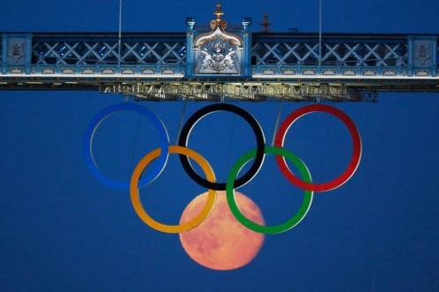 full-moon-olympic-rings-london-bridge-2012 [1024x768]